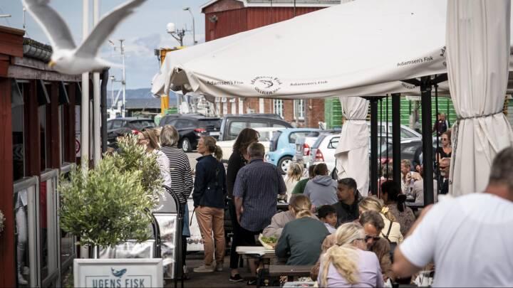 Massestrøm af turister presser restauranter: 'Vi afviser folk i døren hver dag'
