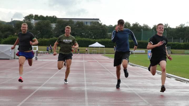 Danmarks hurtigste amatørløber er fundet. Amatører gav den gas på 100 meterbanen i Viby Idrætspark