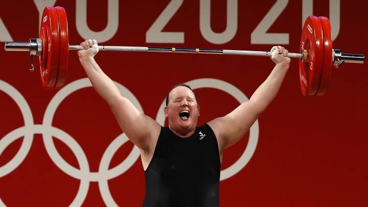 OL-historiens første trans-atlet røg ud efter tre kiksede løft