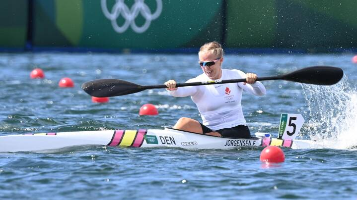 Emma Aastrand ror sig sikkert i OL-semifinale