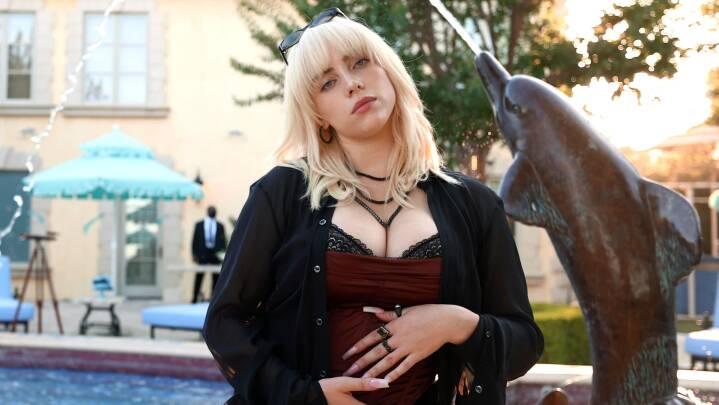 Hun roses til skyerne for nyt album: Nu giver Billie Eilish også kollegernes sangtekster baghjul i ny undersøgelse