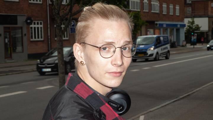 Nicolai på 23 har et specielt - og velbetalt - studiejob: 'Det er ret vildt at lave noget, folk har hængende i årevis'