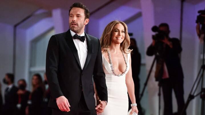 For første gang i knap tyve år: Jennifer Lopez og Ben Affleck viser sig på den røde løber sammen