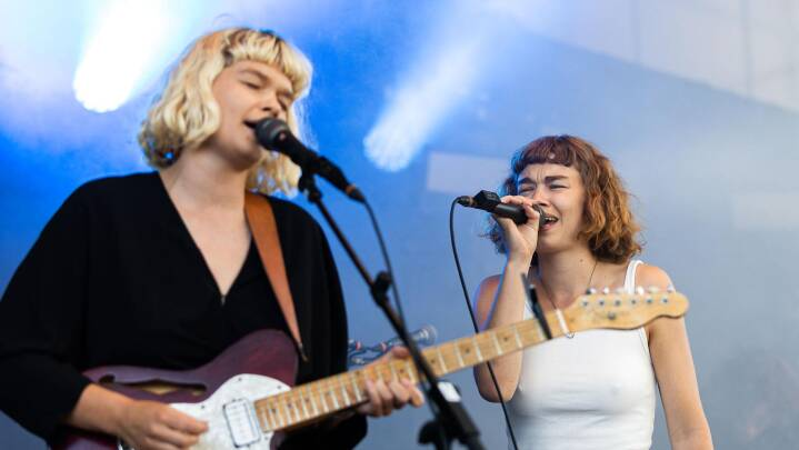 Danske søstre stormer frem med sange om angst og 'mærkelige' vokalharmonier: 'Det her er kun starten'