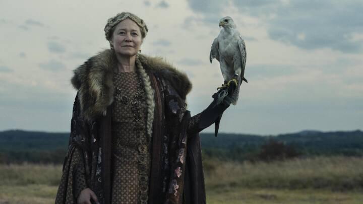 Trine Dyrholm spiller legendarisk dronning i en af Danmarks dyreste film: 'Det har virkelig været guf'