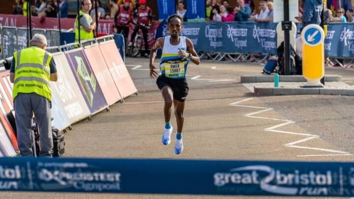 Eliteløber drejede forkert, endte med at vinde et halvmaraton suverænt, og blev så diskvalificeret