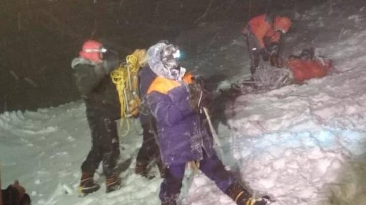 Fem klatrere er døde efter snestorm på Ruslands højeste bjerg