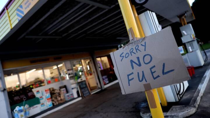 Briterne tager nye midler i brug midt i benzinkrise