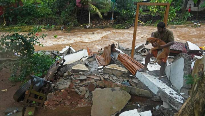Otte mister livet efter voldsomme oversvømmelser i Indien