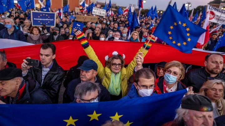 Er Polen ved at rive tæppet væk under hele EU-samarbejdet? Højspændt strid stjæler opmærksomheden ved topmøde i dag
