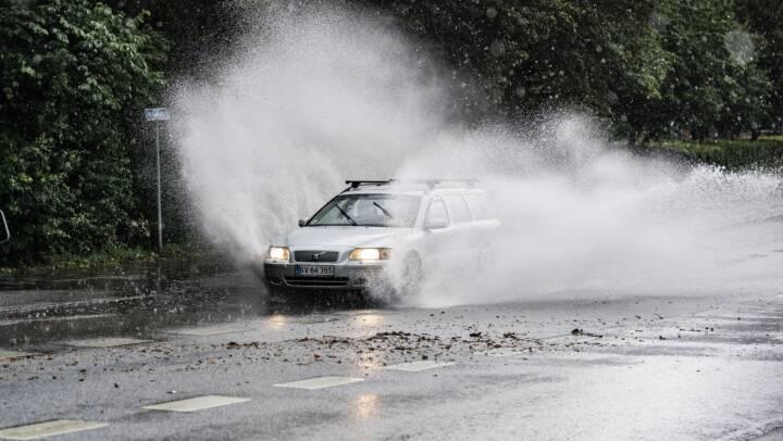 Politiet advarer om store mængder regnvand på motorveje