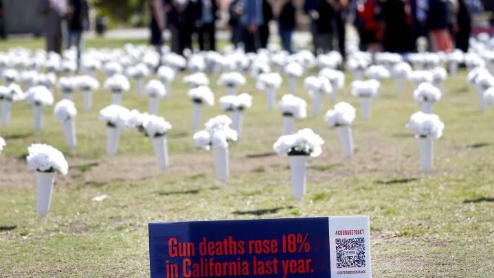 Skyderier i USA er steget under coronapandemien: 'Når amerikanerne er bange, så køber de våben'