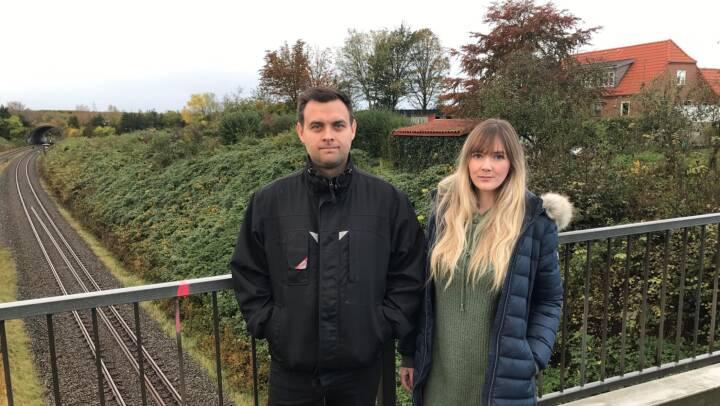 El-tog på vej: Sally og Mark blev vækket af Banedanmarks motorsav klokken et om natten
