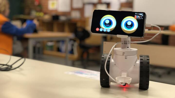 Robotter, rundkreds og konsulenter: Sådan eksperimenterer kommuner med at bekæmpe børns bekymrende fravær