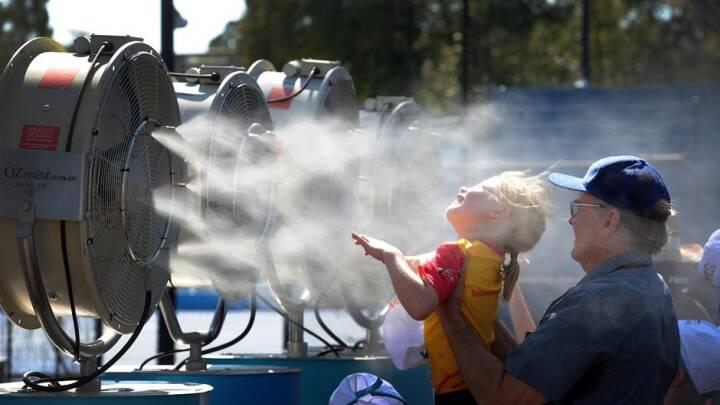BILLEDSERIE Australien sveder i 50 graders varme