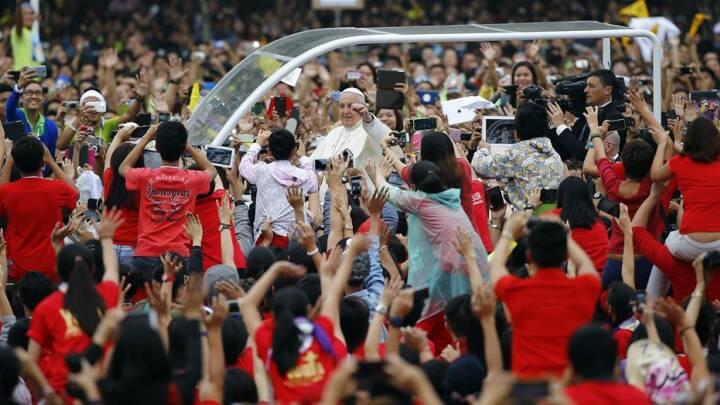 BILLEDER Seks millioner filippinere fik et glimt af paven