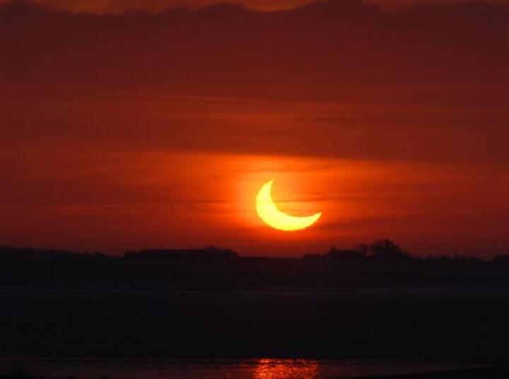 BILLEDSERIE: Solformørkelsen 4. jan 2011