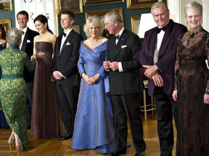 BILLEDSERIE: Camilla og Charles til middag på Amalienborg