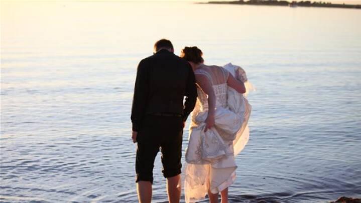 Glem alt om landsbydød: Den danske bryllupsø lokker tusinder af turister til