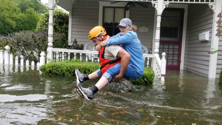 Orkan i Texas har kostet mindst 82 liv