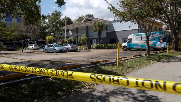 Florida lukker orkanramt plejehjem efter otte dødsfald
