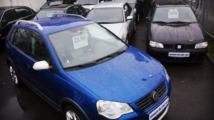 Bilafgiften sænkes i dag: Nyere brugte biler falder også i pris