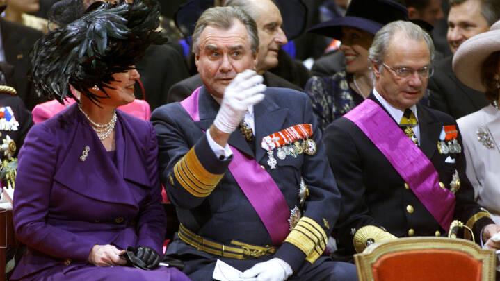 Fra Putin til kong Gustav: Kongehuse og regeringschefer mindes prins Henrik
