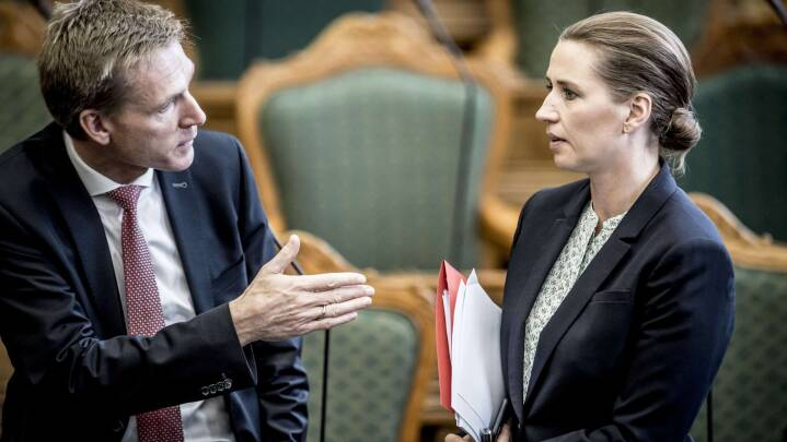 'Kære Mette. Jeg er meget enig med dig': DF inviterer S-top til kaffe og asylsnak