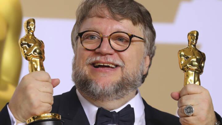 Publikum går i en stor bue udenom Oscar-vinderne