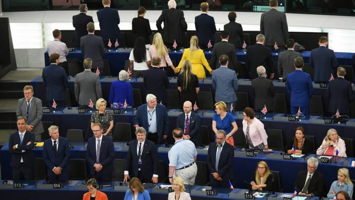 Brexit og tomme pladser: Europa-Parlamentet åbnet med protester