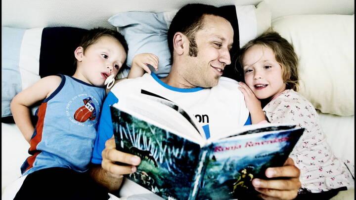 Sådan kan du læse højt for dit barn, hvis du er usikker læser
