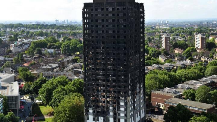 Londons brandvæsen får heftig kritik i sagen om Grenfell Tower