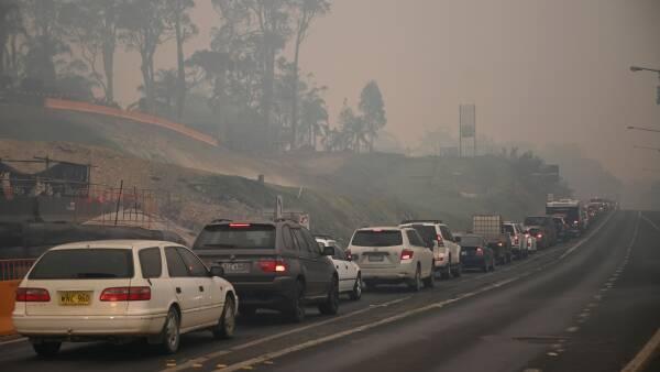 Australsk Kaempe Evakuering Tusindvis Skal Vaek Fra Omrader I