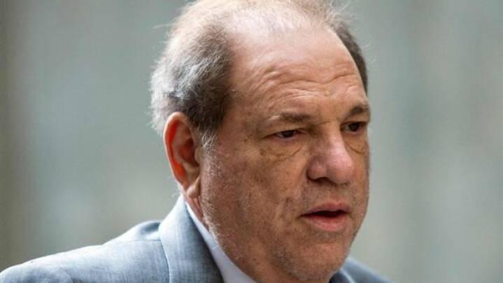 Tiltalt for voldtægt: Harvey Weinstein skal for retten