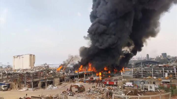 En måned efter kæmpeeksplosion: Voldsom brand på havnen i Beirut