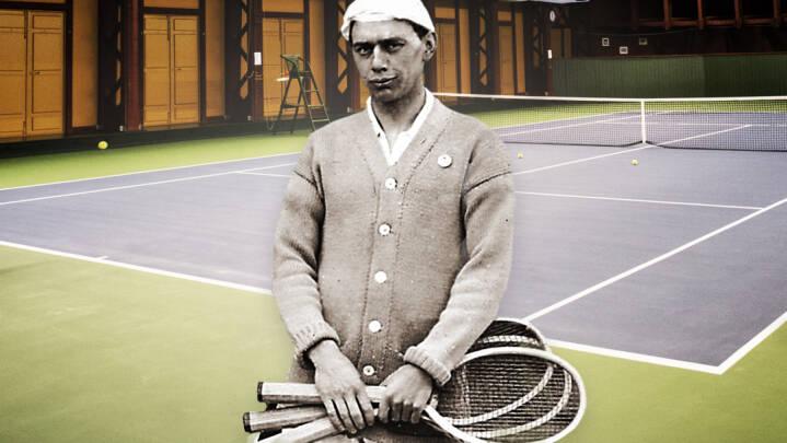 Leif var homo og blev smidt ud af dansk tennis. Derfor byggede den danske stjerne enestående arena