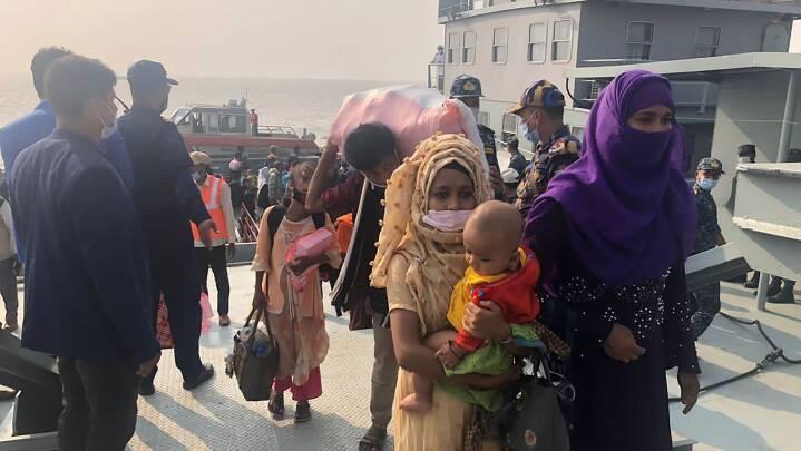 Bangladesh sender 1.600 Rohingya-flygtninge ud til isoleret ø: 'De stjæler vores familie!'