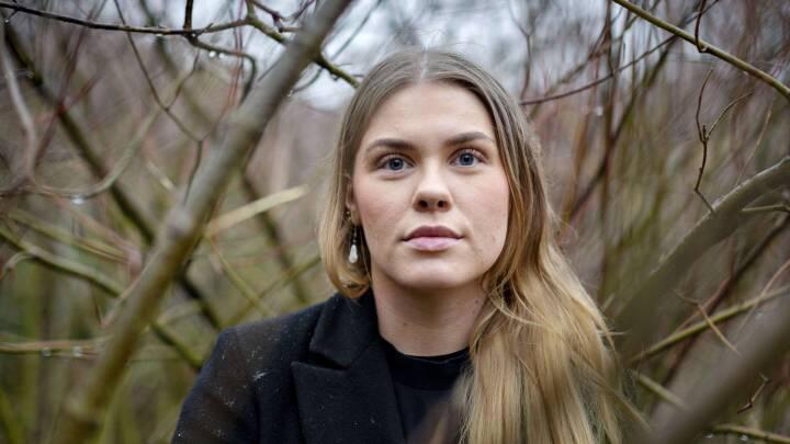 'Jeg frygter, at folk tror, jeg er en kold skid': Sophie kunne ikke vise sin sorg, da hun mistede sin lillesøster