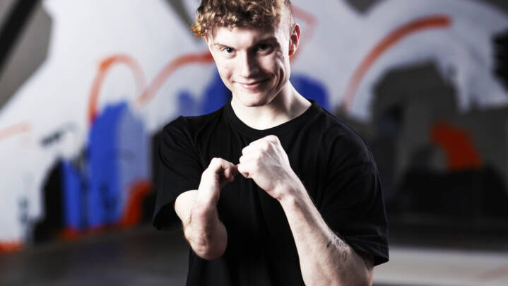 'Mine forældre blev spurgt, om de ville have en abort': Trods sin defekte arm er 18-årige Oliver toptalent i gymnastik