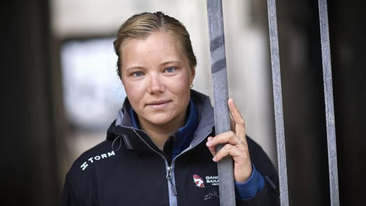 Anne-Marie hopper ombord i mændenes båd for at blive rollemodel for unge piger