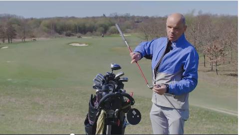 Kunsten at putte i mørke: 69-årige Hans Ole er Danmarks eneste blinde golfspiller