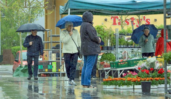 Vejret i dag: Igen står den på regn, blæst og kun lidt sol
