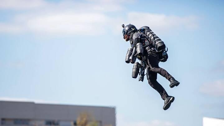 Teknologien gi'r vinger: Nu kan du blive en menneskelig helikopter eller en superhelt