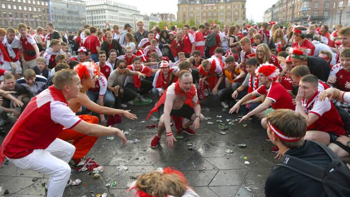 Har vi vundet EM? Se de vilde fejringsscener fra København efter storsejr over Wales