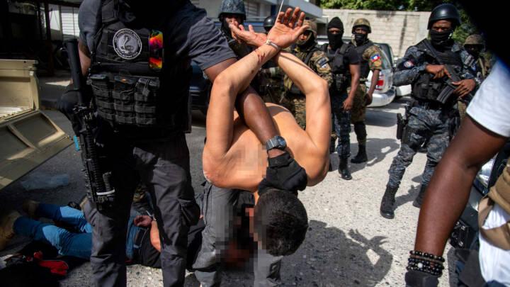 Politiet anklager 'dødspatrulje' for at stå bag drabet på Haitis præsident. Men hvorfor skulle han dø?