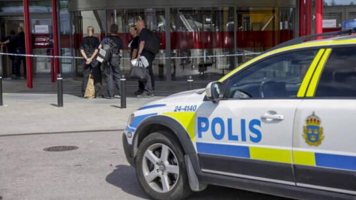To børn ramt af skud syd for Stockholm: Svensk statsminister er 'rasende'