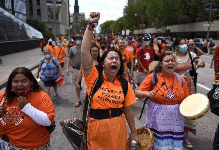 Se billederne: Canadiere var på gaden - de kræver en undersøgelse af skolesystem for indfødte