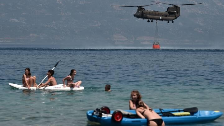 Tørke og brand rammer feriesteder ved Middelhavet: Jesper holder ferie i Grækenland, hvor 'varmen er styg'