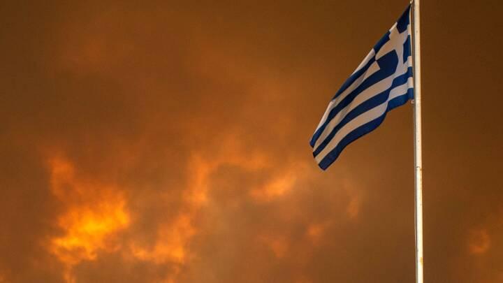 SE BILLEDERNE Græsk ø i flammer for sjette dag i træk er 'som en gyserfilm, der er blevet til virkelighed'