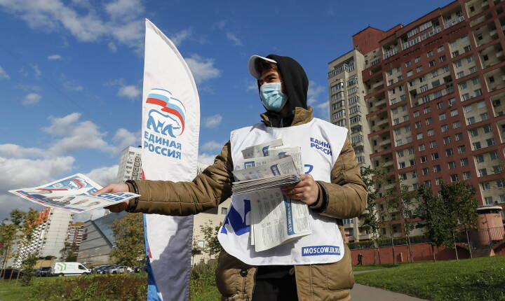 Valg til Dumaen: Klon-kandidater, store checks og fængslede modstandere